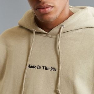 UO-Exclusive 'Made In The 90s' Pullover